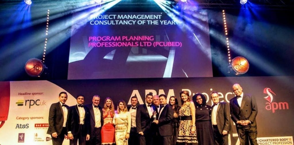 MI-GSO PCUBED UK team on stage for award 2017