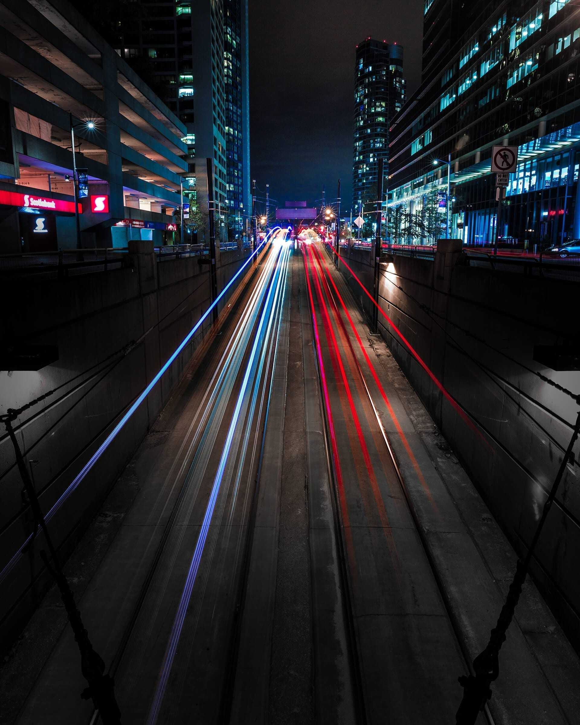 Light Trails in the City - the concept of fast change
